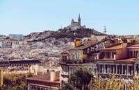 Vue de Marseille depuis la colline de notre Dame de la Garde