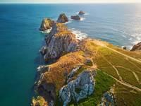 Vue de magnifiques falaises en Bretagne